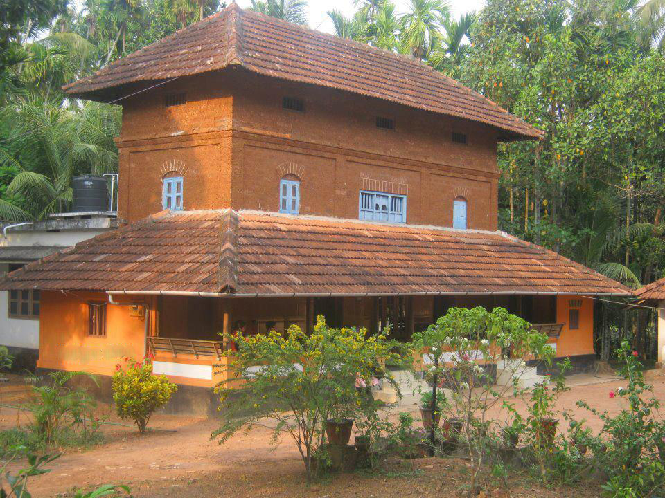 Traditional kerala houses la paz group for Conventional homes