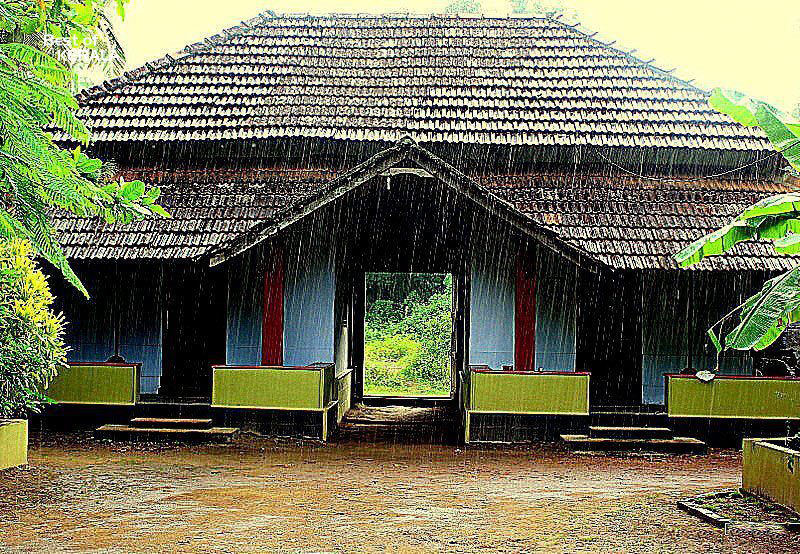 Traditional kerala houses la paz group for Kerala house photos