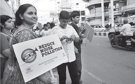 Young Indians aim to knock 'honking' off the roads