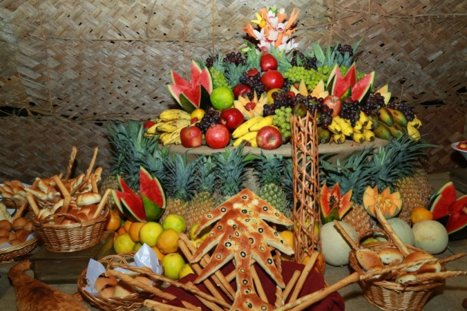 Fruit and Bread display