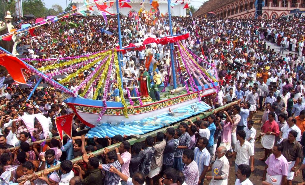 Kerala Church Festival – St.Mary's Church, Kuravilangad ...