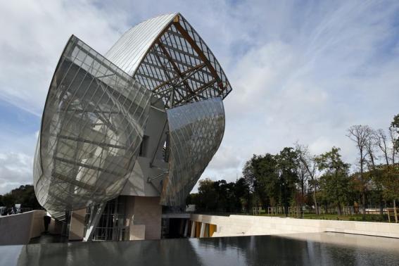 A general view shows the Fondation Louis Vuitton designed by architect Frank Gehry in the Bois de Boulogne, western Paris, October 17, 2014.  REUTERS/Benoit Tessier