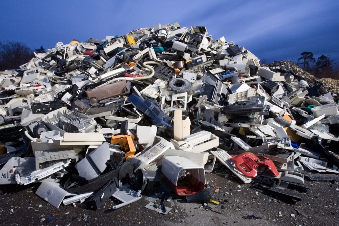 The StEP Initiative forecasts that by 2017, the world will produce about 33 percent more e-waste, or 72 million tons (65 million metric tons). That amount weighs about 11 times as much as the Great Pyramid of Giza.