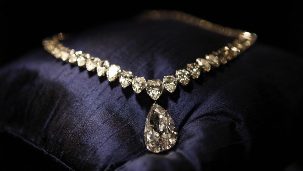 Indians have come to control almost three-quarters of Antwerp's diamond industry.(Reuters/Finbarr O'Reilly)