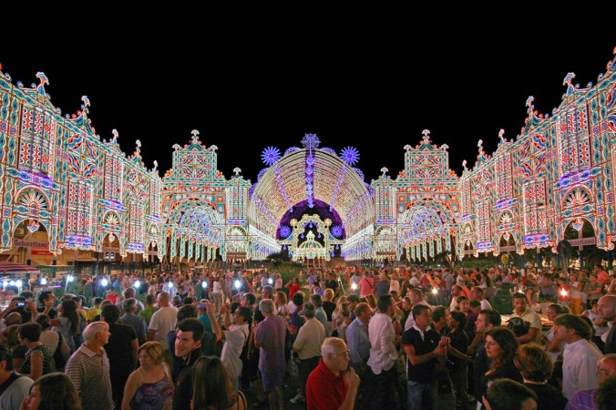 Scorrano, a little village turns into the Capital of the Luminarie for a few days a year. PHOTO: Gorgonia.it