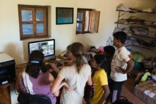 Samuel and Alice (founder-teacher) editing the silent film together with the students. PHOTO: Vikalp Sangam
