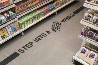 180509-zero-waste-shopping-ekoplaza-plastic-free-aisle-credit-Ewout-Huibers.jpg
