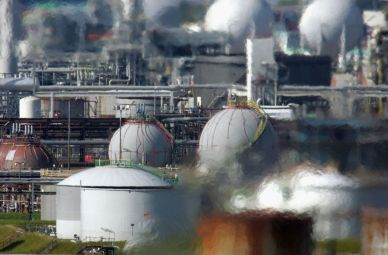 HeatHaze_Grangemouth-Refinery_Scotland_ChristopherFurlongGetty_web