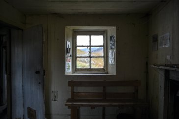 surfacing-bothies-window-6-jumbo-v2.jpg