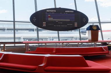 15TWA-HOTEL-slide-JLRX-superJumbo.jpg