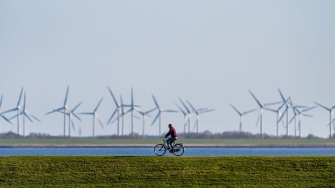 GettyImages-978196998_cycling-turbines_web